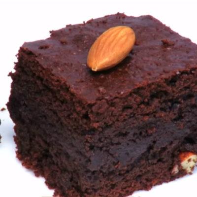 """Шоколадное пирожное """"Брауни"""" с орехами"""