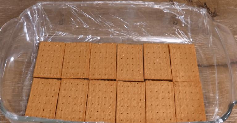 Шоколадные сливки переложить в ванильные и очень быстро и легко…