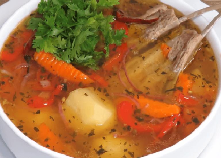 Разливаем суп Шурпу по тарелкам, украшаем зеленью. Приятного аппетита!
